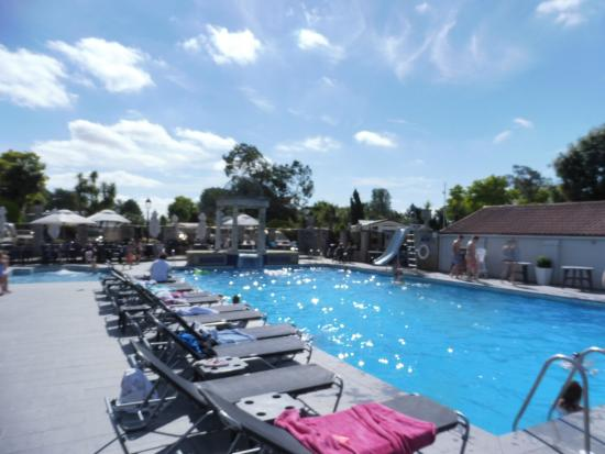 The Outdoor Swiminng Pool Picture Of The Foxhunter Park Ramsgate Tripadvisor