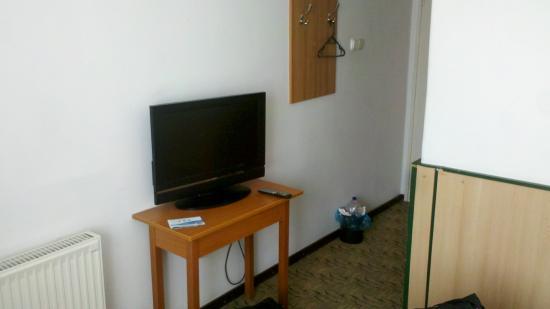 Hotel Maria : a kevés bútor egyike