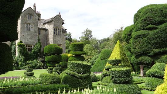Κένταλ, UK: Levens Hall from the gardens