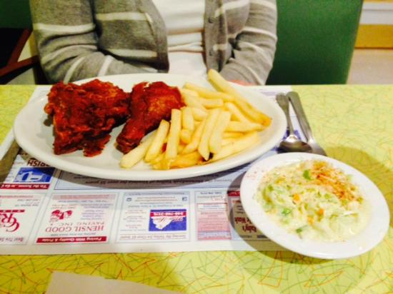 New Market, Βιρτζίνια: The special of the day: Crispy Southern Fried Chicken, French Fries and Homemade Cole Slaw