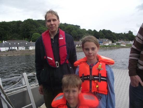 New Era Private Boat Trips: Grandchildren totally relaxed with Rolph