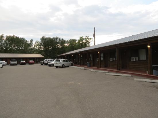 Bellevue, ID: vista del motel e parcheggio interno