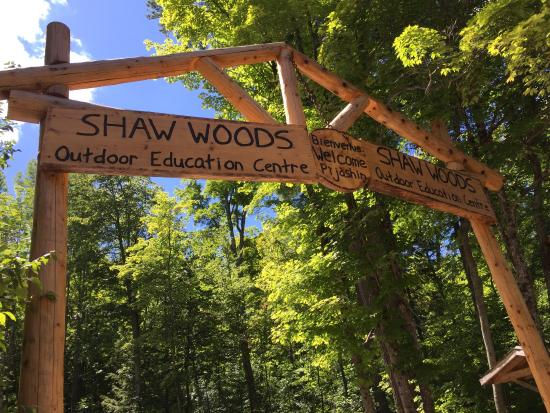 ‪Shaw Woods Outdoor Education Centre‬