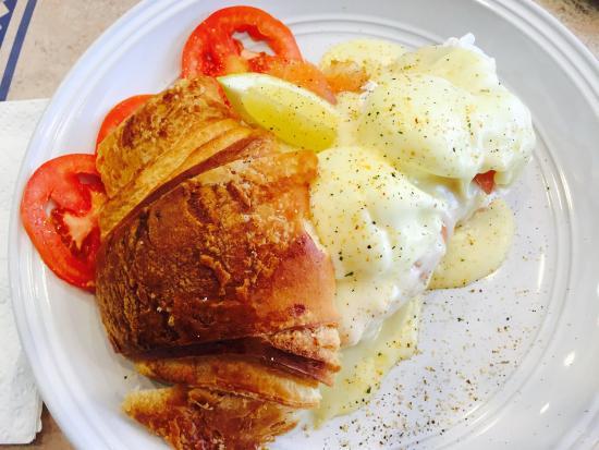 Gourmet Bakery Cafe: photo0.jpg