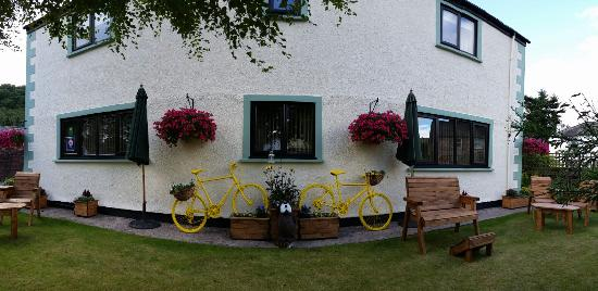 Ullswater Guest House: Getting ready for the tour of Britain