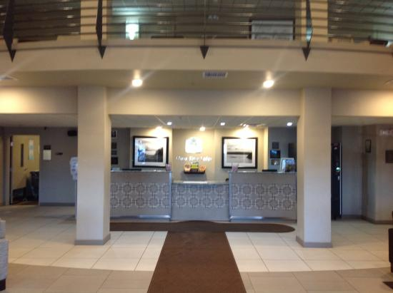 Best Western Plus Chena River Lodge: Lovely lobby area very clean