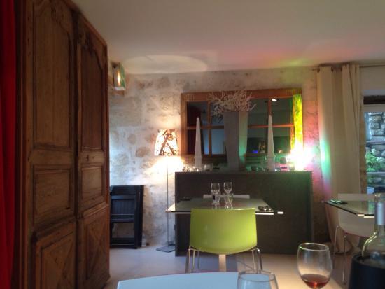 Saint Sauvant, Francia: Excellente adresse : le restaurant est superbe autant que la déco de l'hôtel, c est comme être c