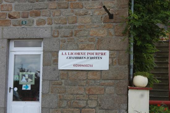 Иль и Вилен, Франция: insegna sulla strada principale
