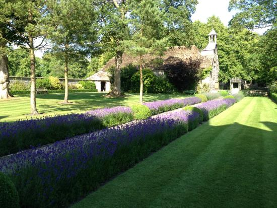 Avebury Manor: Garden