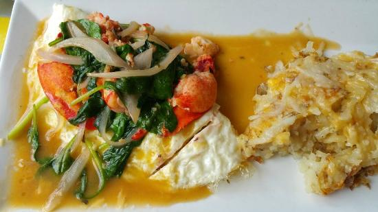 OMELET POLONIA ITALIANA   at Pazzo Pomodoro  the best Lobster with spinach egg white omelet  wit