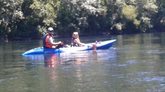 Branson, MO: Kayaking Fun on Beautiful Lake Taneycomo!!