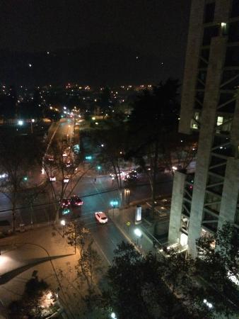 Departamento Amoblado Costa Nueva de Lyon : Vista noturna da sacada do quarto