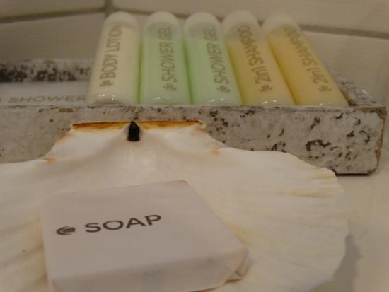 Zevenbergen, Países Bajos: Zeepjes, shampoo & bodylotion