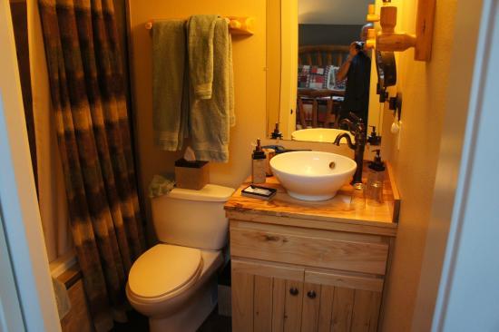 Chehalem Ridge Bed and Breakfast: Oregon Trail Room