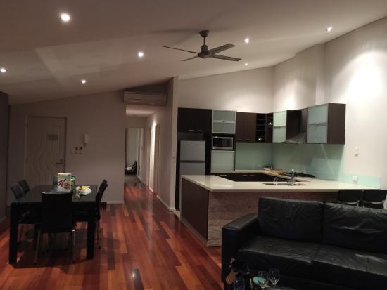 Central Avenue Apartments: photo1.jpg