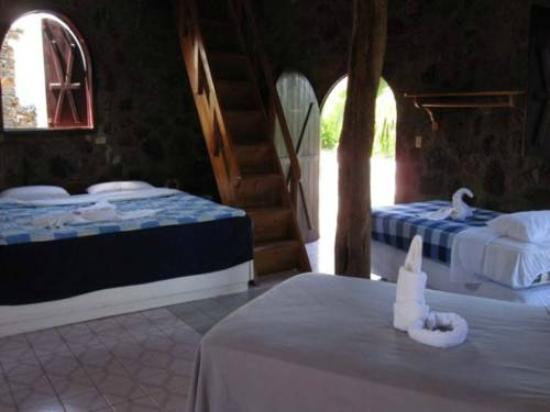 El Castillo Galapagos : Arte con toallones