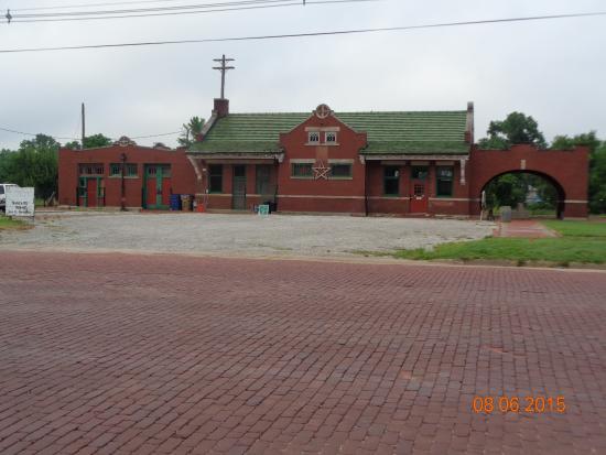 Kingman KS Santa Fe Railroad Depot