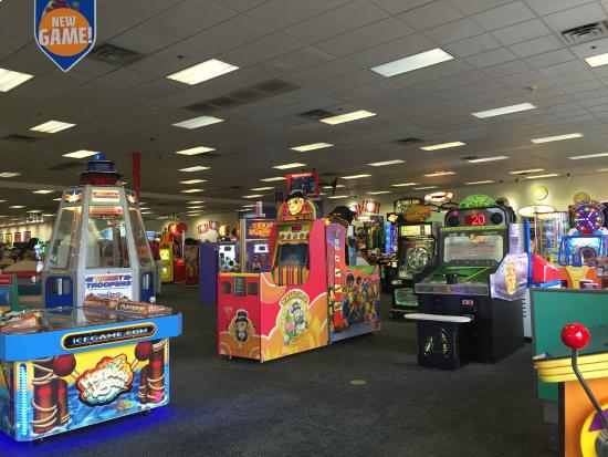 Chuck E Cheese Game Room