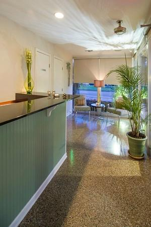 The Crescent Palms Motel: Reception Desk