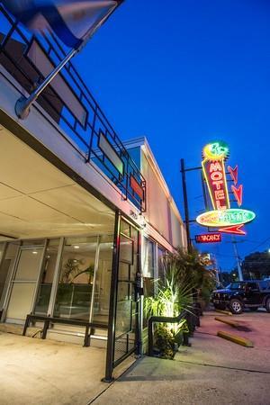 The Crescent Palms Motel: Exterior