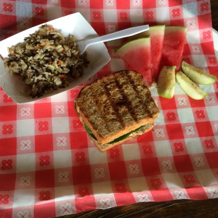 "The Bullfrog Fish Farm: Fish Sandwich on ""Birdseed Bread"" Delicious!"
