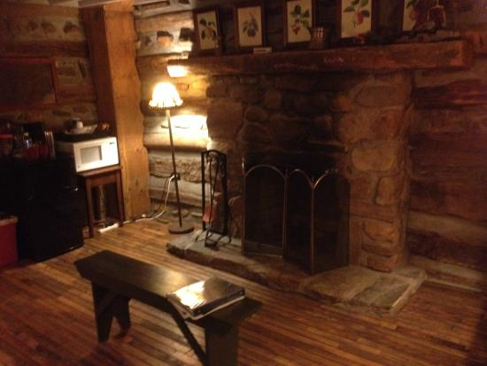The Living Room With Fireplace Picture Of Pilot Knob Inn Pilot Mountain Tripadvisor