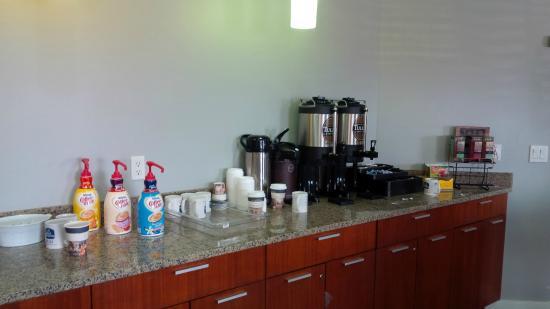 BEST WESTERN PLUS Peppertree Inn at Omak: Coffee area