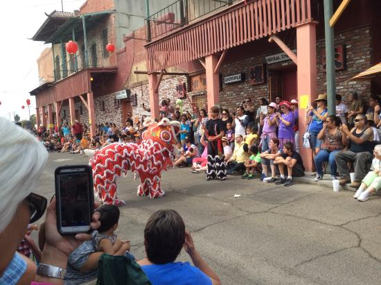Hanford, Californie : Lion Dance