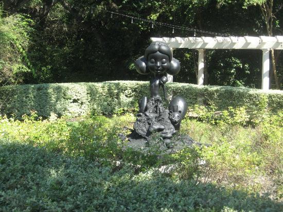 The Contemporary Austin - Laguna Gloria : Interesting sculpture