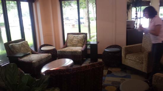 Hilton Garden Inn Houston NW/Willowbrook: Downstairs Lobby