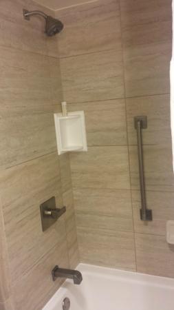 Hilton Garden Inn Houston NW/Willowbrook: Bathroom