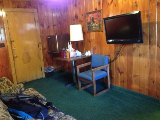 Northern Comfort Motel: Sitting area