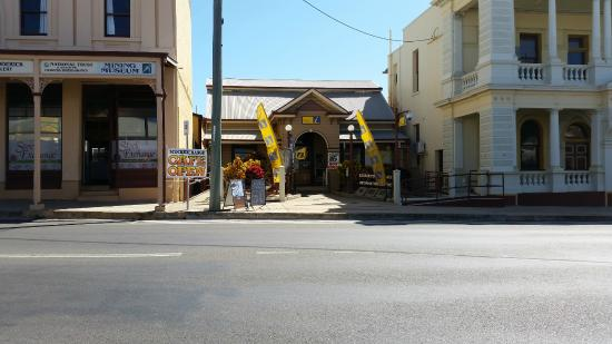Charters Towers Visitor Information Centre: VIC Charters Towers - make sure you call in during your stay