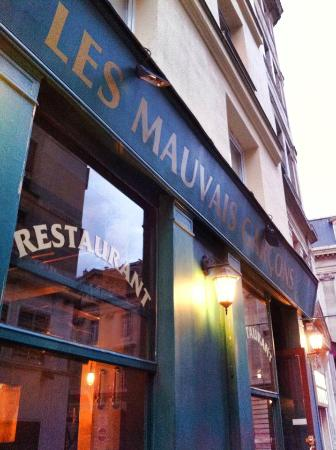 Les Mauvais Garcons: La facade du restaurant