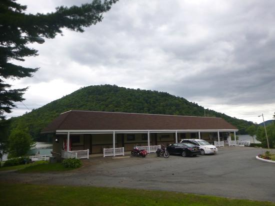 Oxbow Lake Motel: Motel Front
