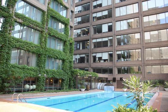 Omni Hotel Montreal Pool