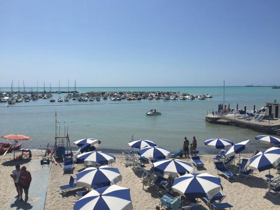 Wakker worden en de zee zien liggen foto de hotel bagni - Hotel bagni lido vada ...
