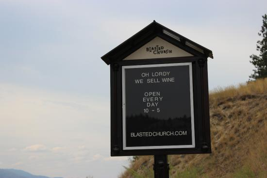 Blasted Church Vineyards : Sign along the road