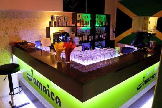Jamaica Baar - KARAOKE and LIVE MUSIC Bar