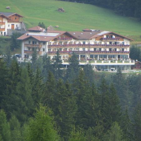 Hotel Scherlin: l'hotel visto da Bulla