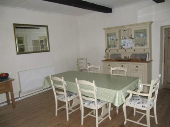 Cotesfield Farm: Dining Room - with lovely warm home-made bread for breakfast!