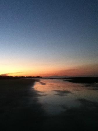 Balgal Beach Holiday Units: Balgal sunrise