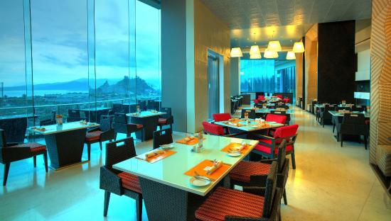 The Square Restaurant Novotel Lampung
