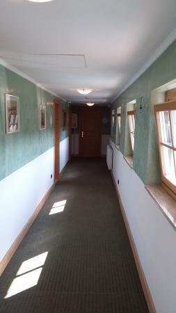 Hotel Relais Grundwald: Коридор