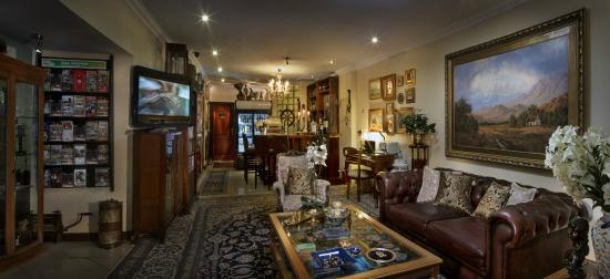 The Oasis Boutique Hotel: Our Guest Lounge