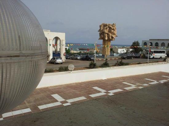 Safir Hotel Mazafran: déjeuner sur terasse