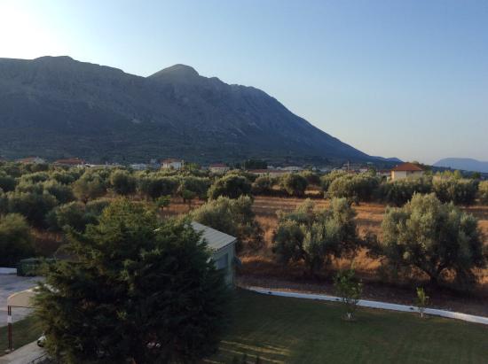 Cliff Bay Hotel: Udsigten over bjergene