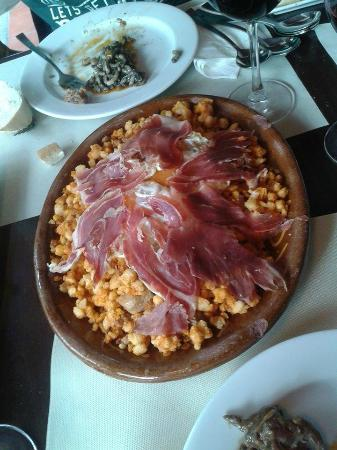 Sonseca, Spania: Migas manchegas con huevos y jamón