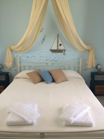 Aeolos Sunny Villas : Ρομαντικο δωματιο