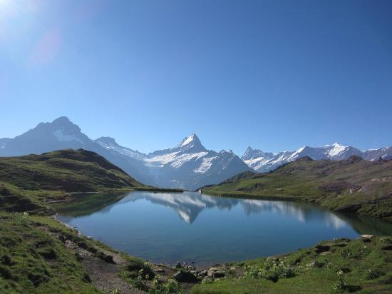 Grindelwald, Switzerland: めったにお目にかかれませんが、もしこんな風景に出会えたら圧倒される感動の一瞬です。